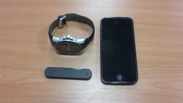 nůž pocket, iphone. hodinky
