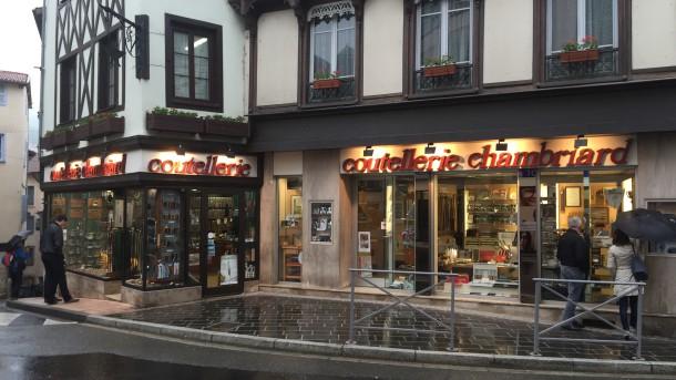 Obchod s noži v Thiers